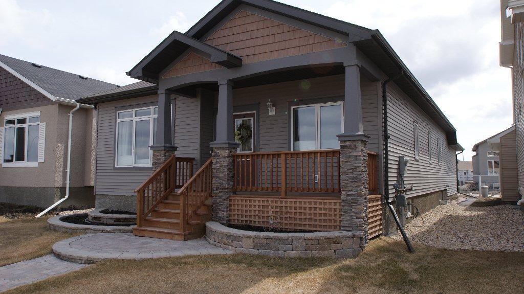 Main Photo: 1534 Concordia Avenue East in Winnipeg: Residential for sale (North East Winnipeg)