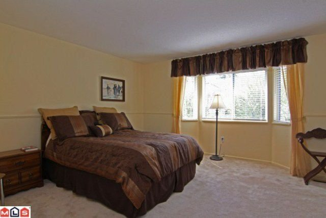 Photo 7: Photos: 15296 28A AV in Surrey: House for sale : MLS®# F1111657