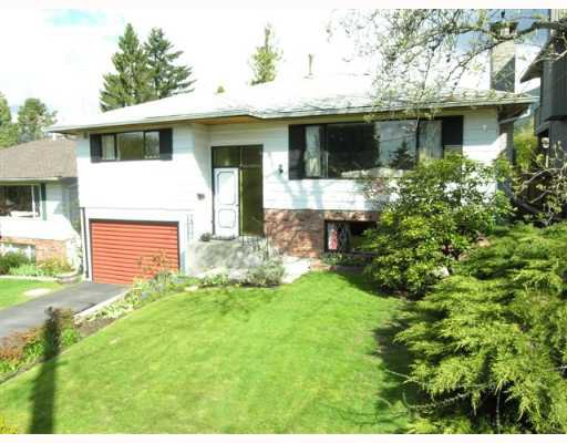 Main Photo: 274 W WINDSOR Road in North Vancouver: Upper Lonsdale House for sale : MLS®# V640851