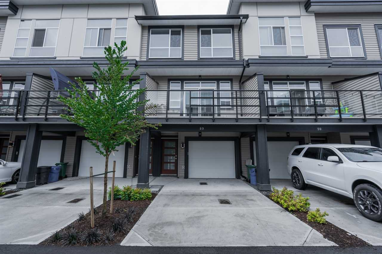 Main Photo: 89 8413 MIDTOWN Way in Chilliwack: Chilliwack W Young-Well Townhouse for sale : MLS®# R2403082