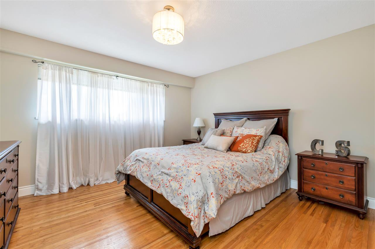 Photo 12: Photos: 1871 MASSET Court in Coquitlam: Harbour Place House for sale : MLS®# R2457222