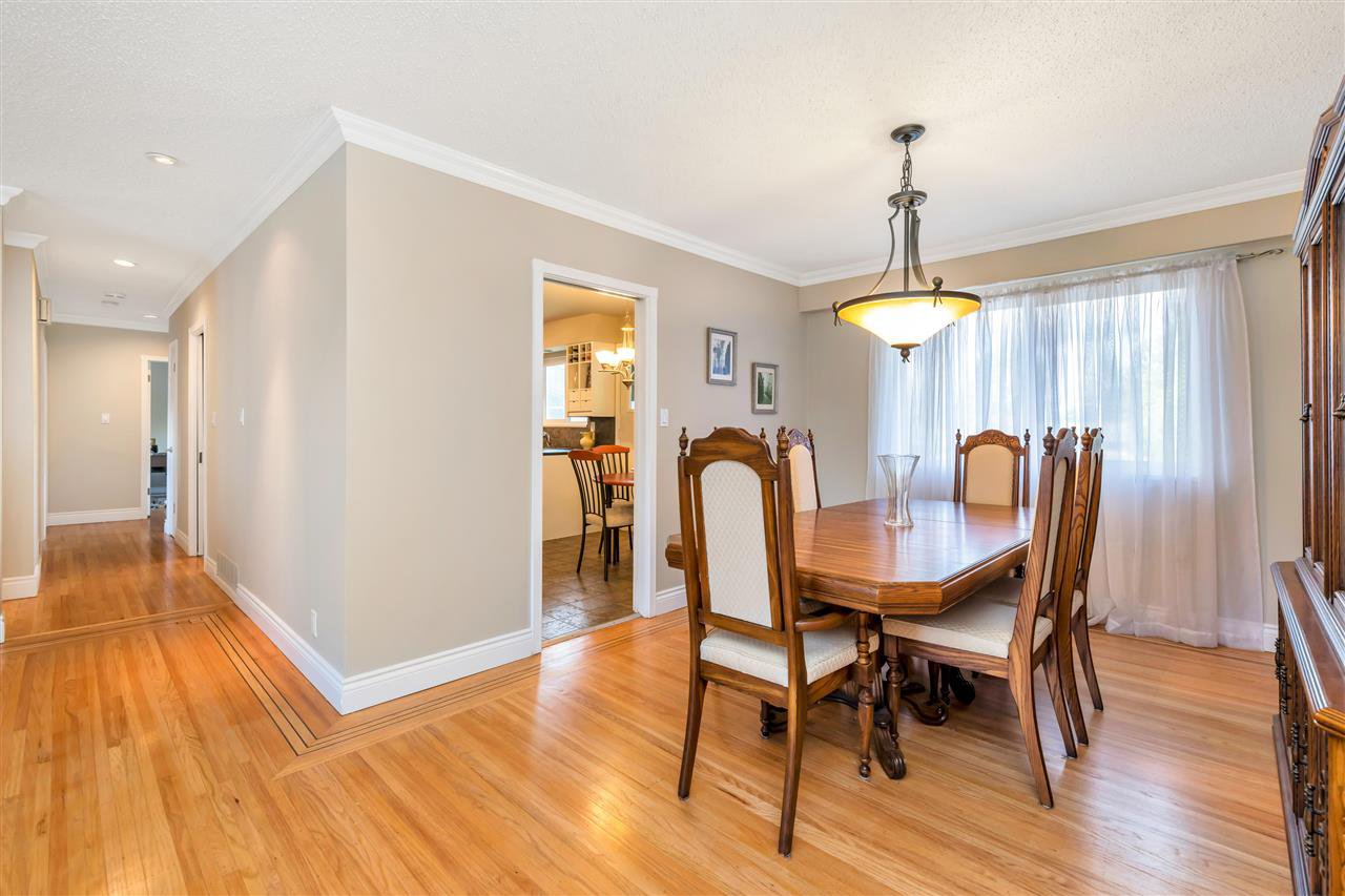 Photo 6: Photos: 1871 MASSET Court in Coquitlam: Harbour Place House for sale : MLS®# R2457222