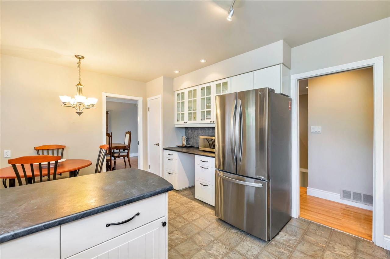 Photo 10: Photos: 1871 MASSET Court in Coquitlam: Harbour Place House for sale : MLS®# R2457222