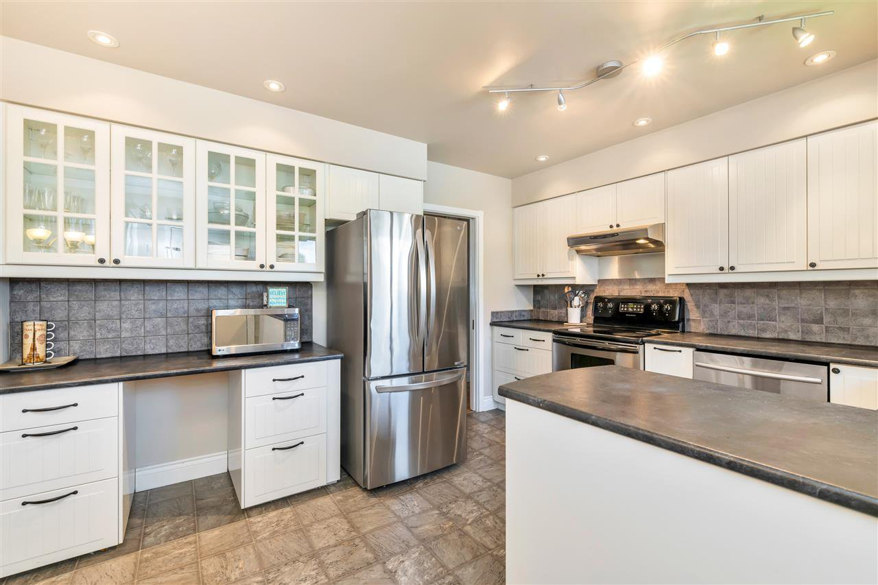 Photo 8: Photos: 1871 MASSET Court in Coquitlam: Harbour Place House for sale : MLS®# R2457222