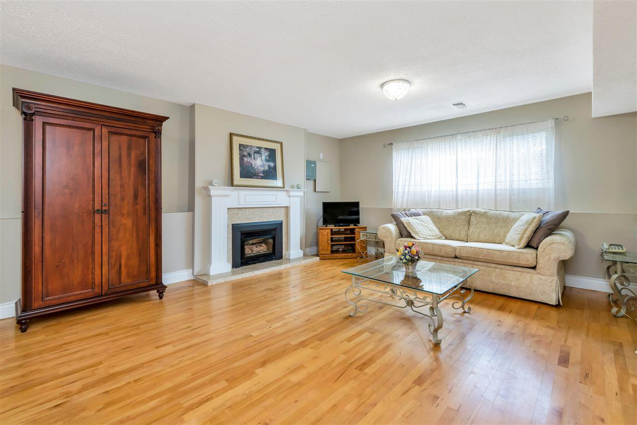 Photo 19: Photos: 1871 MASSET Court in Coquitlam: Harbour Place House for sale : MLS®# R2457222