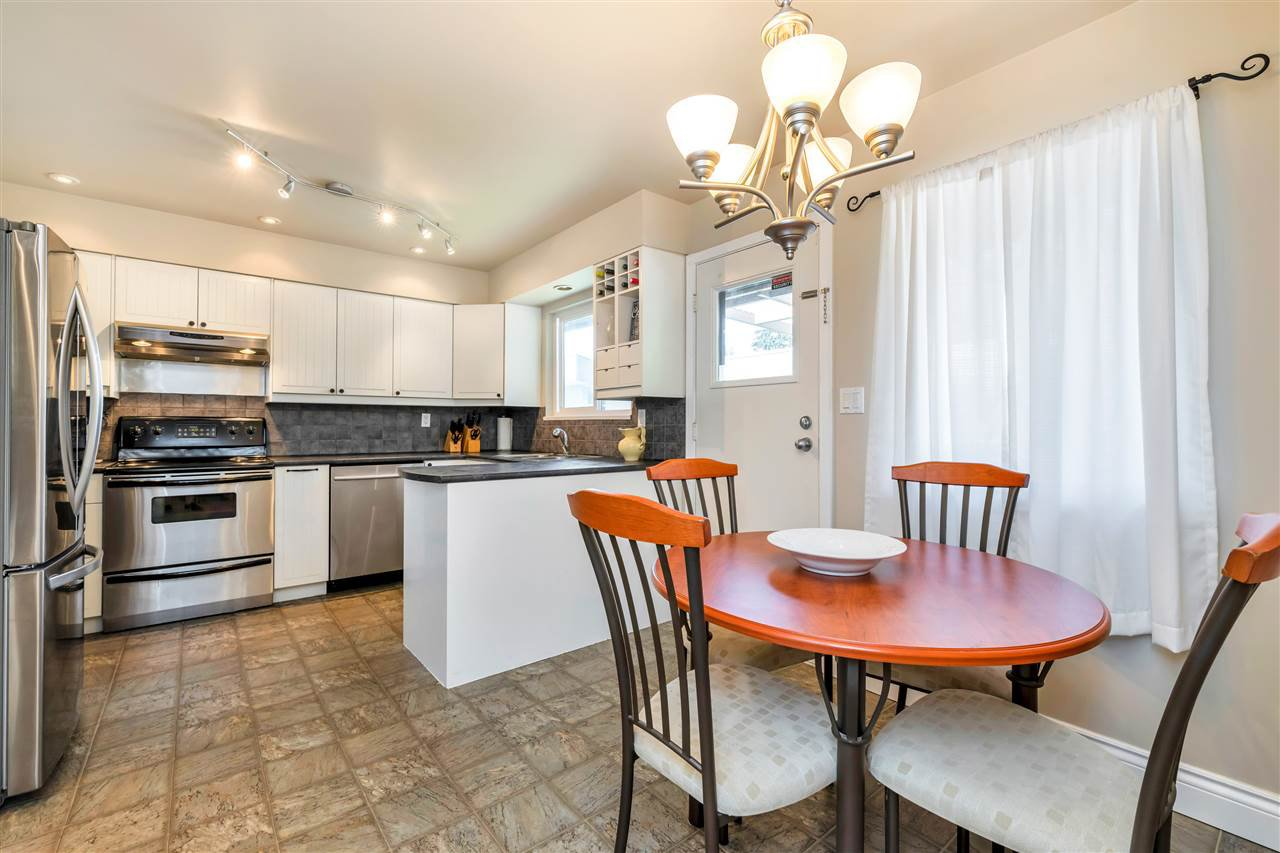 Photo 11: Photos: 1871 MASSET Court in Coquitlam: Harbour Place House for sale : MLS®# R2457222