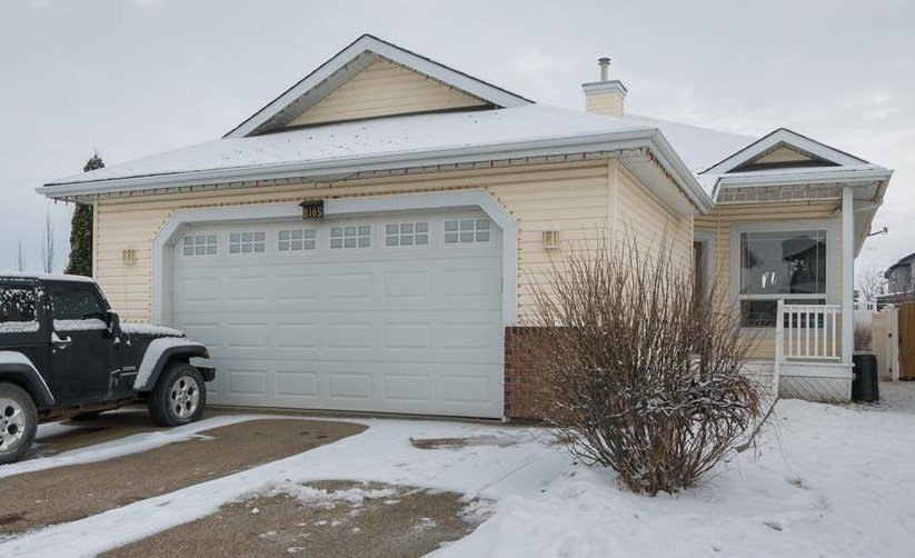 Main Photo: 8105 97 Street: Morinville House for sale : MLS®# E4223258