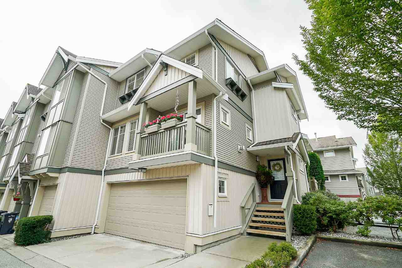 """Main Photo: 36 6651 203 Street in Langley: Willoughby Heights Townhouse for sale in """"SUNSCAPE"""" : MLS®# R2404003"""