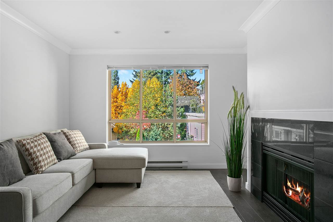 """Main Photo: 206 150 W 22ND Street in North Vancouver: Central Lonsdale Condo for sale in """"Sierra"""" : MLS®# R2415636"""