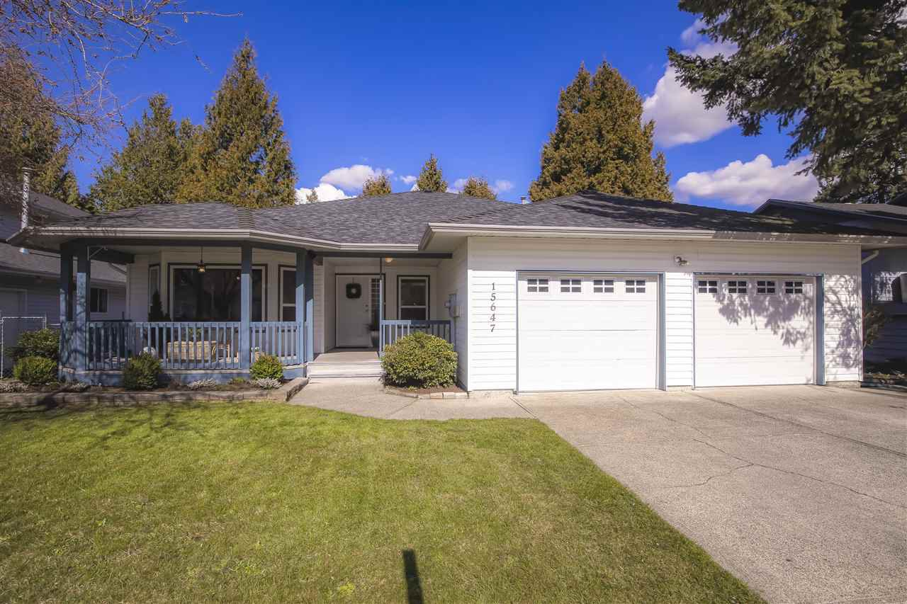 Main Photo: 15647 92 Avenue in Surrey: Fleetwood Tynehead House for sale : MLS®# R2444668
