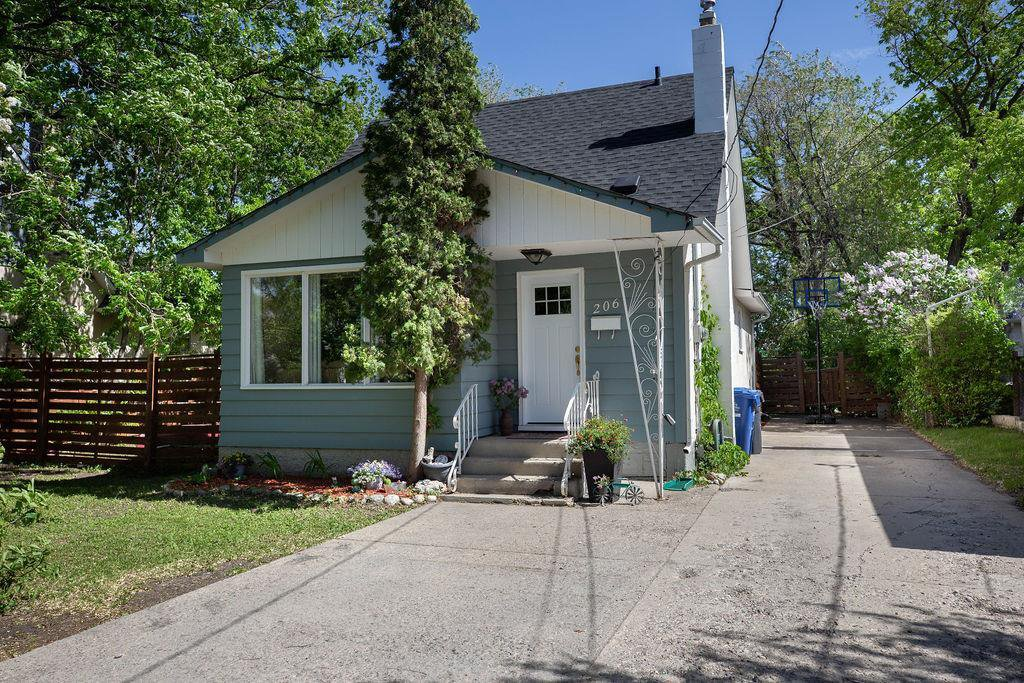 Main Photo: 206 Hindley Avenue in Winnipeg: St Vital Residential for sale (2D)  : MLS®# 202012637