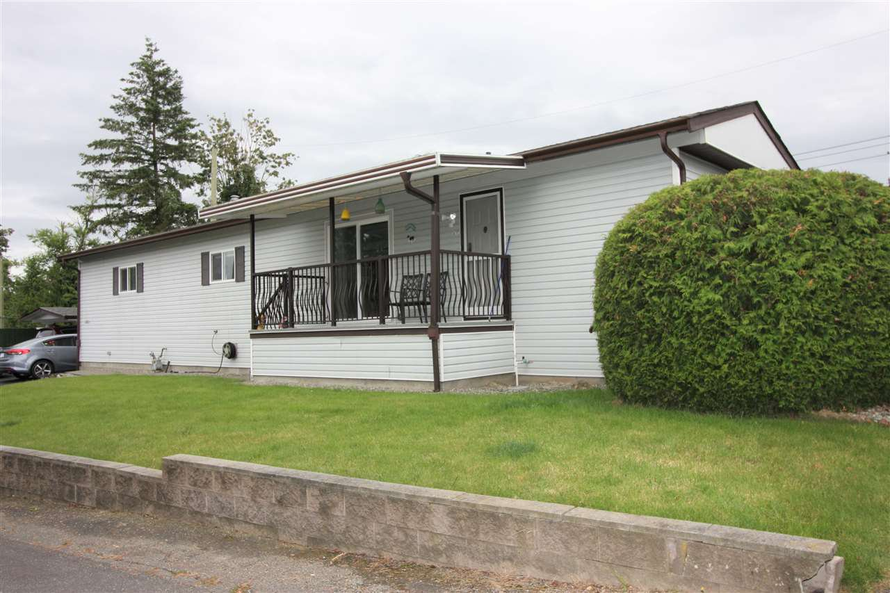"Main Photo: 261 27111 0 Avenue in Langley: Aldergrove Langley Manufactured Home for sale in ""Pioneer Park"" : MLS®# R2471117"