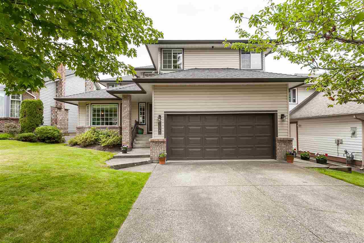 Main Photo: 21540 86A CRESCENT in Langley: Walnut Grove House for sale : MLS®# R2479128
