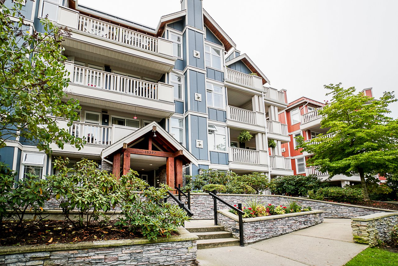 "Main Photo: 102 15392 16A Avenue in Surrey: King George Corridor Condo for sale in ""Ocean Bay Villas"" (South Surrey White Rock)  : MLS®# R2504379"