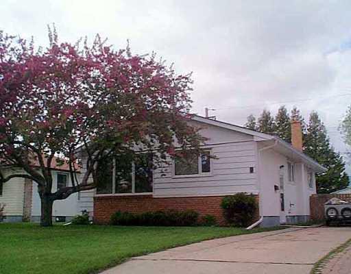 Main Photo: 9 FLEURY Place in Winnipeg: Windsor Park / Southdale / Island Lakes Single Family Detached for sale (South East Winnipeg)  : MLS®# 2507417