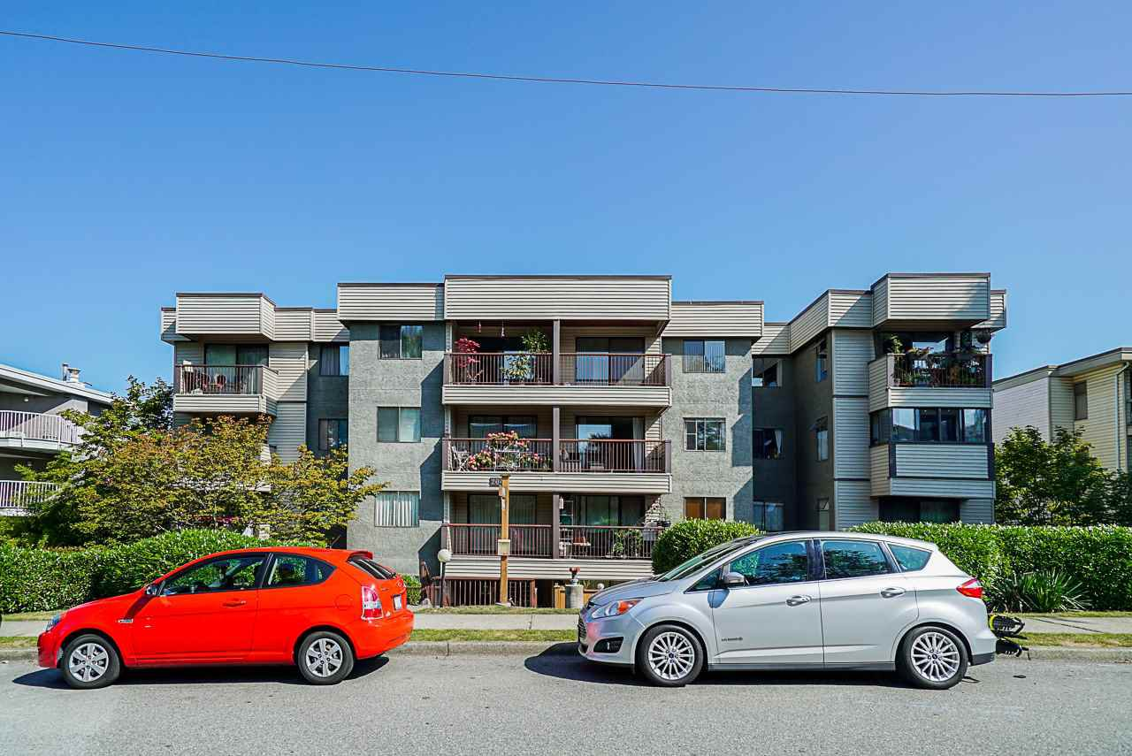 """Main Photo: 305 2045 FRANKLIN Street in Vancouver: Hastings Condo for sale in """"Harbormount"""" (Vancouver East)  : MLS®# R2395605"""
