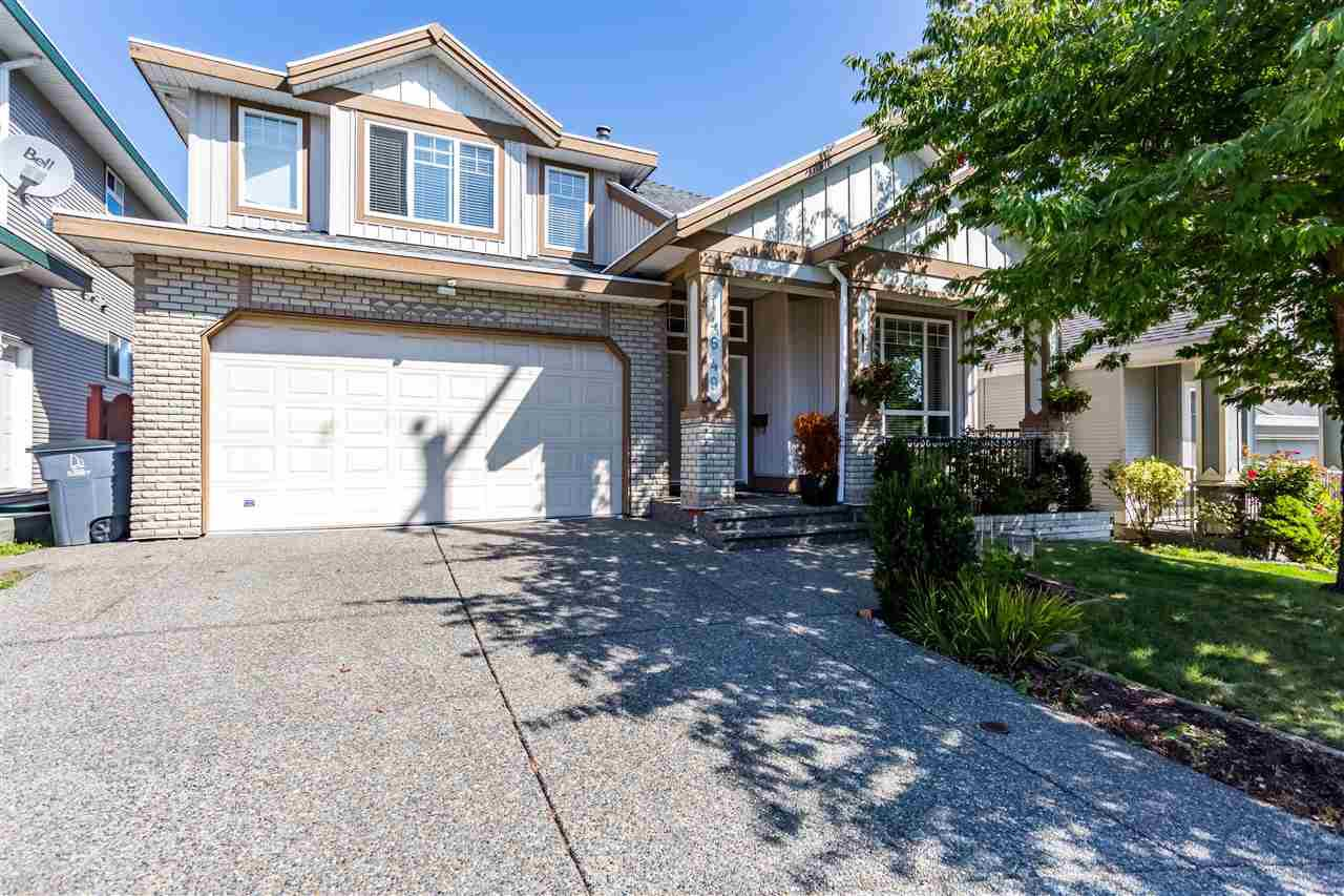 Main Photo: 14649 76 Avenue in Surrey: East Newton House for sale : MLS®# R2402128
