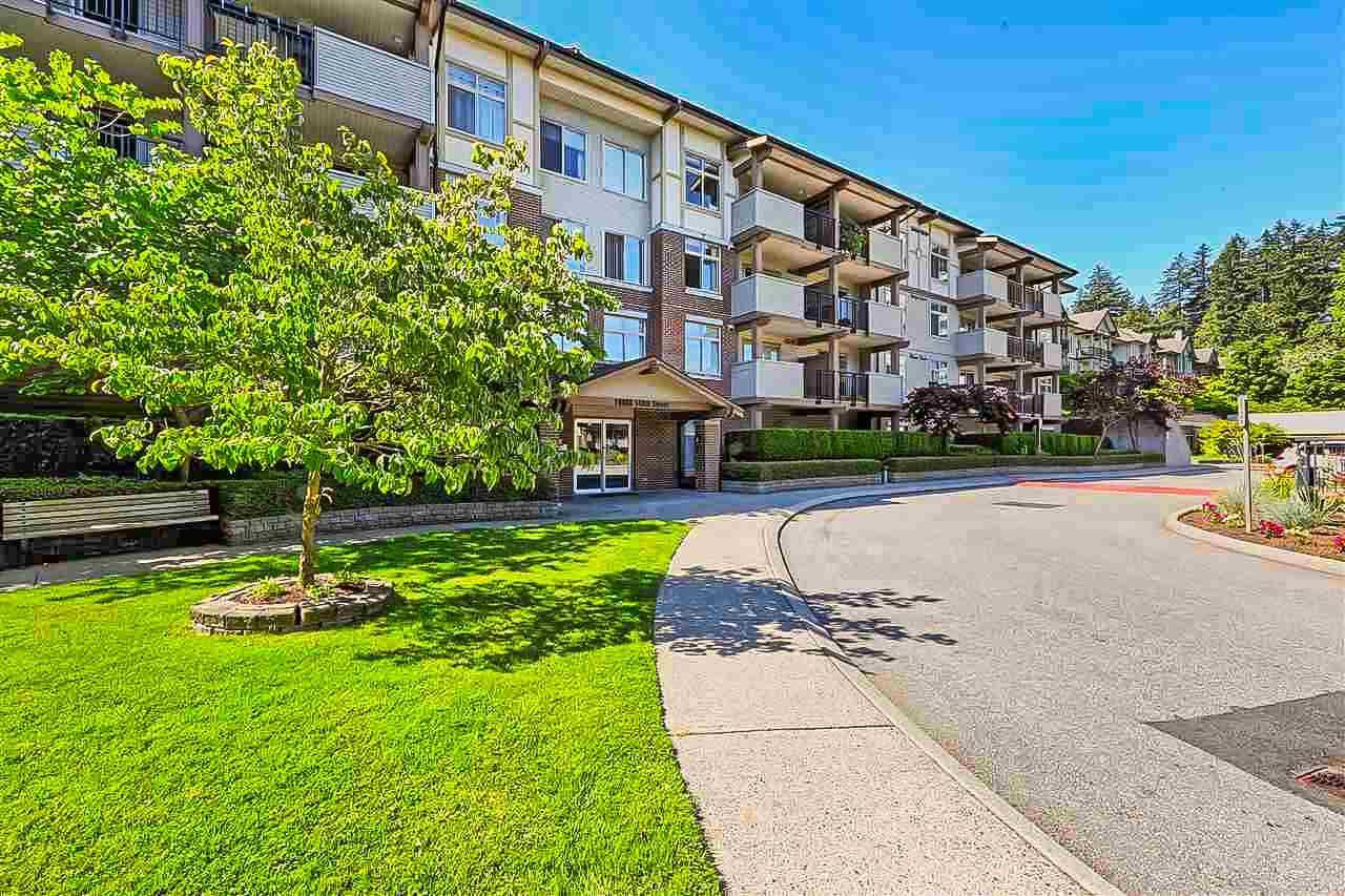 Main Photo: 303 10088 148 Street in Surrey: Guildford Condo for sale (North Surrey)  : MLS®# R2428578