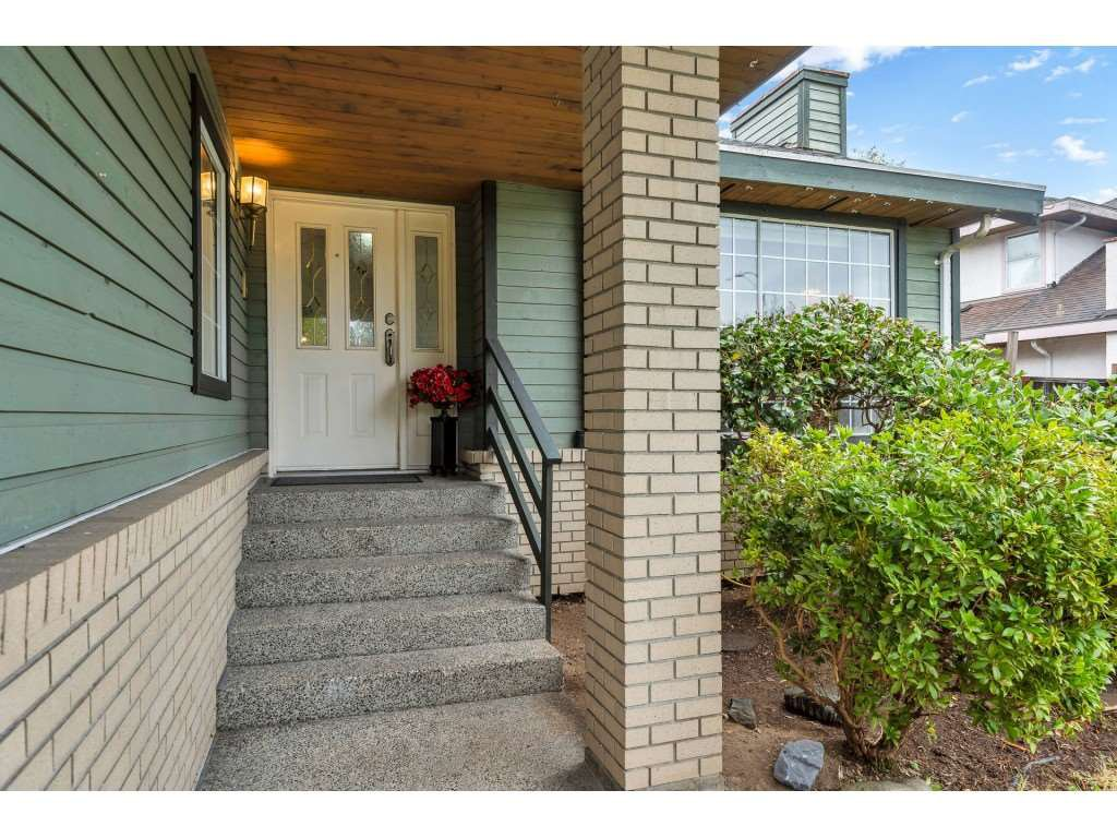 Main Photo: 15725 106 Avenue in Surrey: Fraser Heights House for sale (North Surrey)  : MLS®# R2501393
