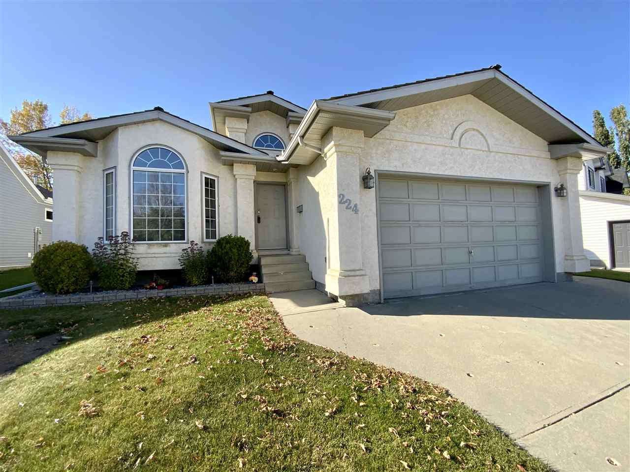 Main Photo: 224 Parkallen Way: Wetaskiwin House for sale : MLS®# E4216785