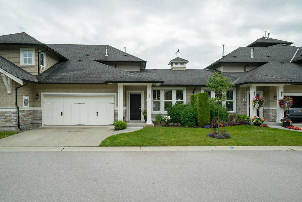 """Main Photo: 44 19452 FRASER Way in Pitt Meadows: South Meadows Townhouse for sale in """"SHORELINE"""" : MLS®# R2470762"""
