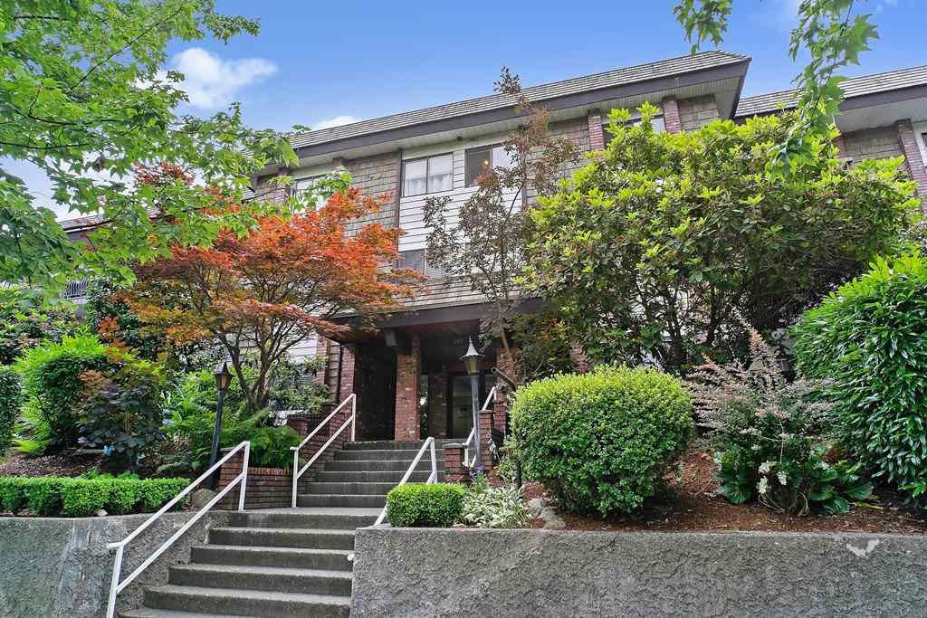 "Main Photo: 346 588 E 5TH Avenue in Vancouver: Mount Pleasant VE Condo for sale in ""MCGREGOR HOUSE"" (Vancouver East)  : MLS®# R2477608"