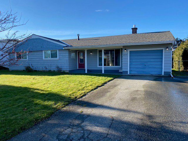 Main Photo: 8777 Butchart St. in Chilliwack: House for rent