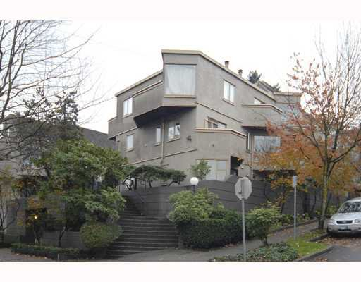"""Main Photo: 28 870 W 7TH Avenue in Vancouver: Fairview VW Townhouse for sale in """"LAUREL COURT"""" (Vancouver West)  : MLS®# V794943"""
