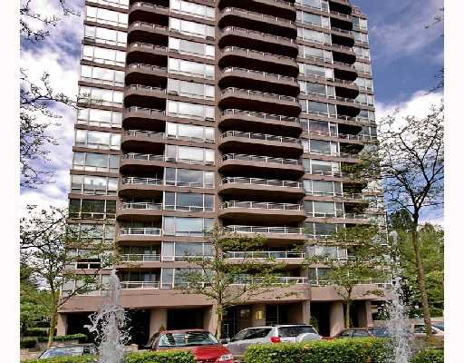 "Main Photo: 406 9633 MANCHESTER Drive in Burnaby: Cariboo Condo for sale in ""STRATHMORE TOWERS"" (Burnaby North)  : MLS®# V711915"