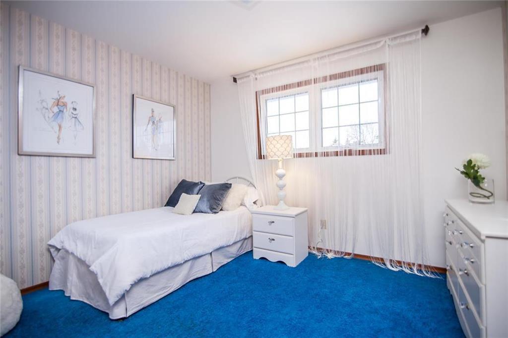 Photo 16: Photos: 46 Hagen Drive in Winnipeg: Westwood Residential for sale (5G)  : MLS®# 1928507