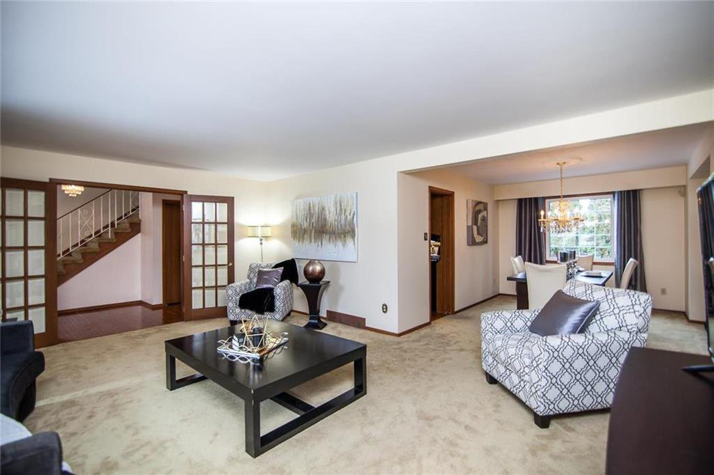 Photo 4: Photos: 46 Hagen Drive in Winnipeg: Westwood Residential for sale (5G)  : MLS®# 1928507