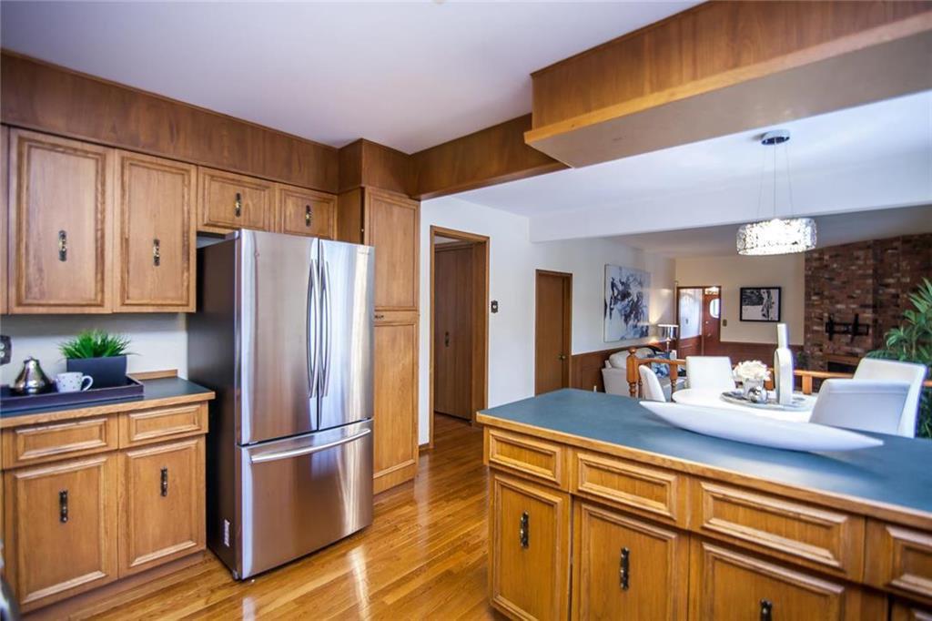 Photo 7: Photos: 46 Hagen Drive in Winnipeg: Westwood Residential for sale (5G)  : MLS®# 1928507