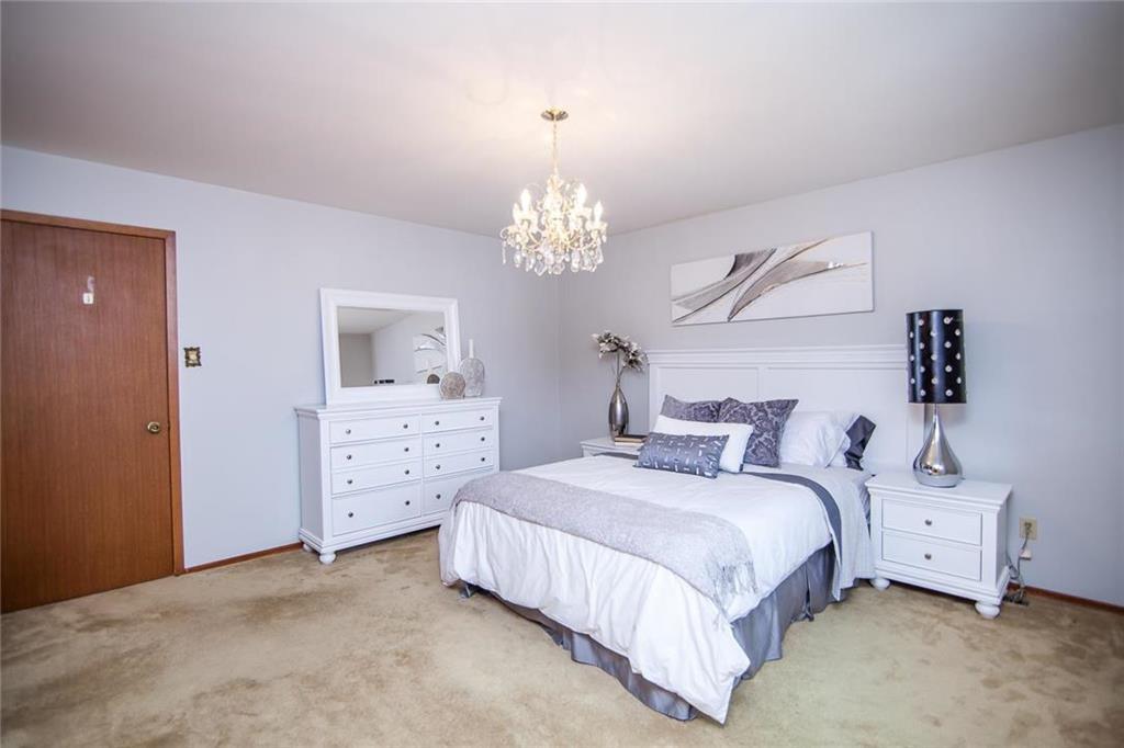 Photo 15: Photos: 46 Hagen Drive in Winnipeg: Westwood Residential for sale (5G)  : MLS®# 1928507