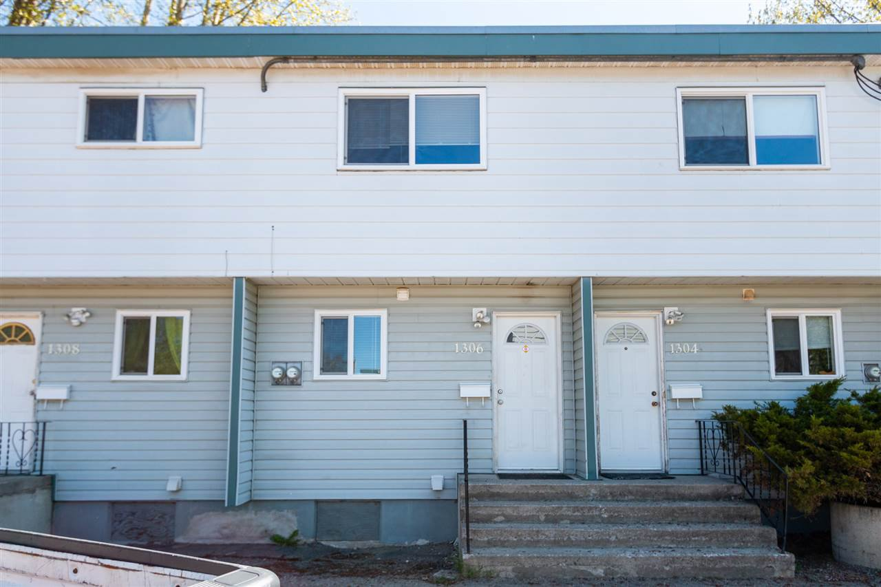 """Main Photo: 1306 DIEFENBAKER Drive in Prince George: VLA Townhouse for sale in """"THE OAKLANDS"""" (PG City Central (Zone 72))  : MLS®# R2455070"""