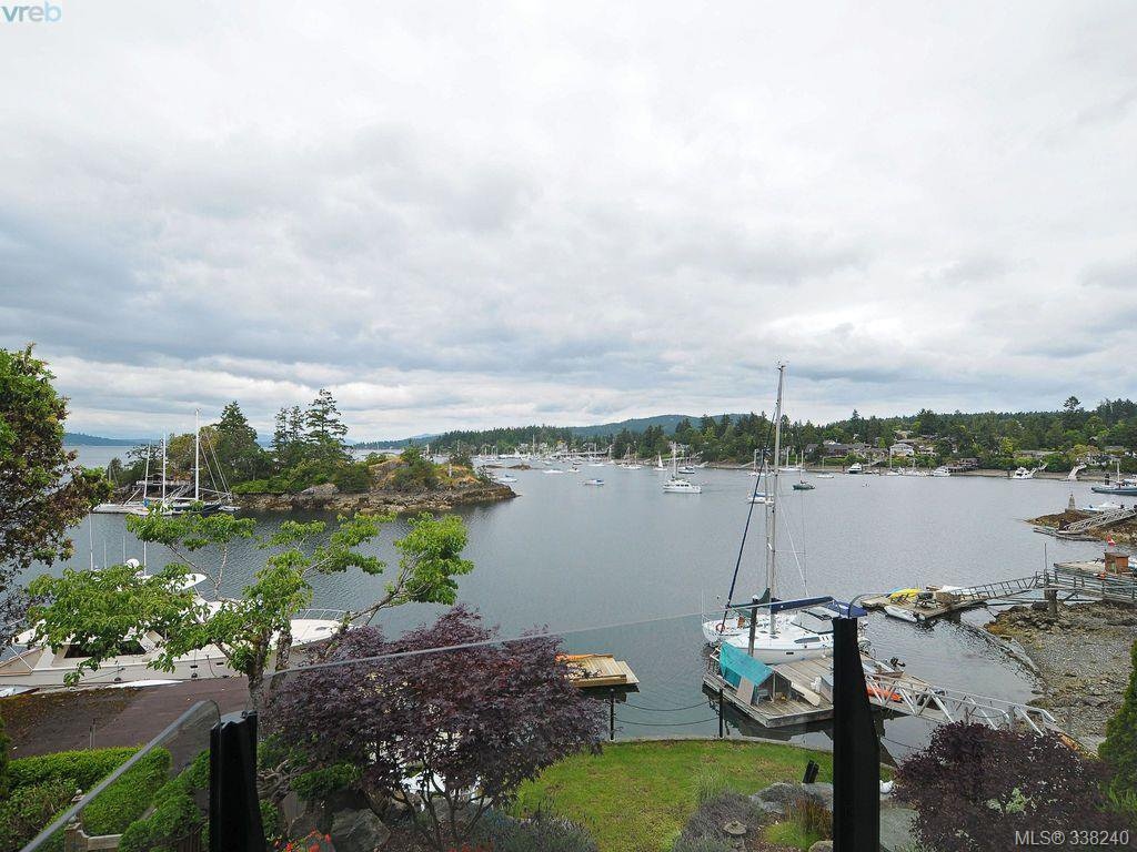 Main Photo: 770 Sea Dr in Central Saanich: CS Brentwood Bay House for sale : MLS®# 338240