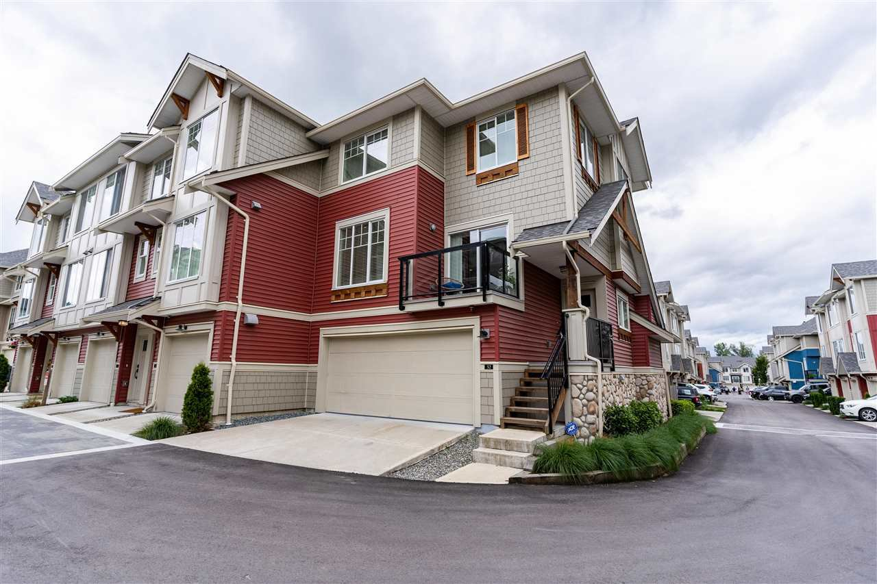 Main Photo: 32 20498 82 Avenue in Langley: Willoughby Heights Townhouse for sale : MLS®# R2470159
