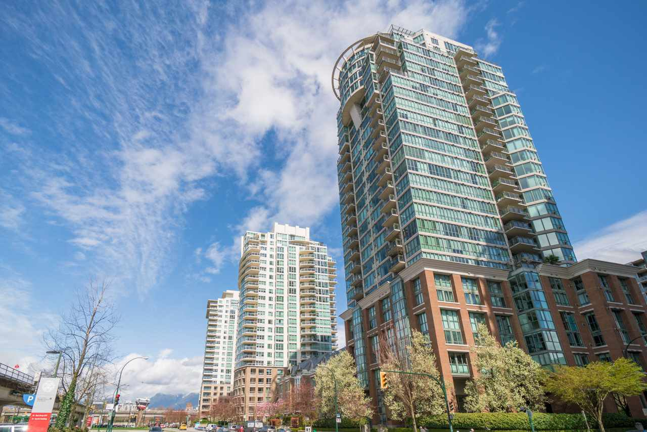 """Main Photo: 2303 1088 QUEBEC Street in Vancouver: Downtown VE Condo for sale in """"THE VICEROY"""" (Vancouver East)  : MLS®# R2500746"""
