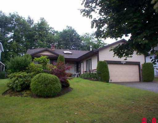 Main Photo: 15696 91A AV in Surrey: Fleetwood Tynehead House for sale : MLS®# F2515568