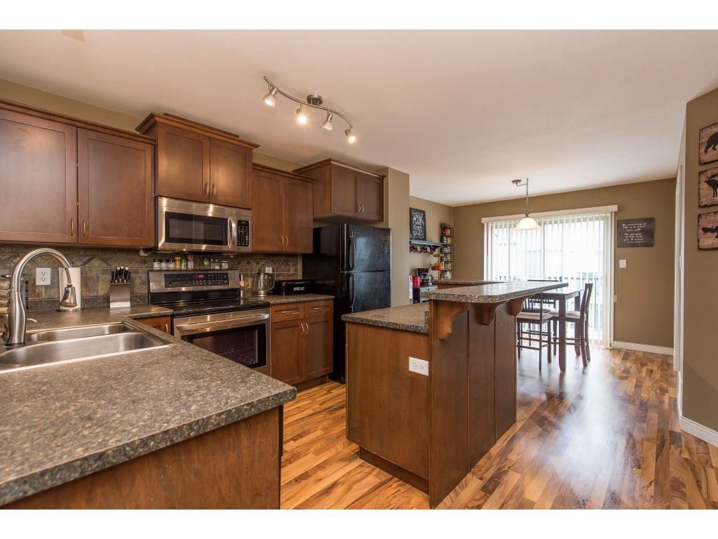 """Photo 11: Photos: 68 5556 PEACH Road in Chilliwack: Vedder S Watson-Promontory Townhouse for sale in """"The Gables at Riverbend"""" (Sardis)  : MLS®# R2453710"""