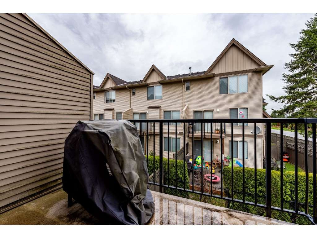 """Photo 20: Photos: 68 5556 PEACH Road in Chilliwack: Vedder S Watson-Promontory Townhouse for sale in """"The Gables at Riverbend"""" (Sardis)  : MLS®# R2453710"""
