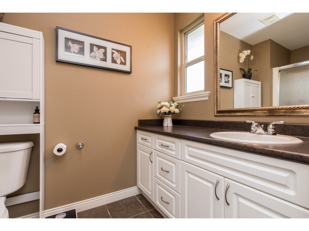 """Photo 23: Photos: 68 5556 PEACH Road in Chilliwack: Vedder S Watson-Promontory Townhouse for sale in """"The Gables at Riverbend"""" (Sardis)  : MLS®# R2453710"""