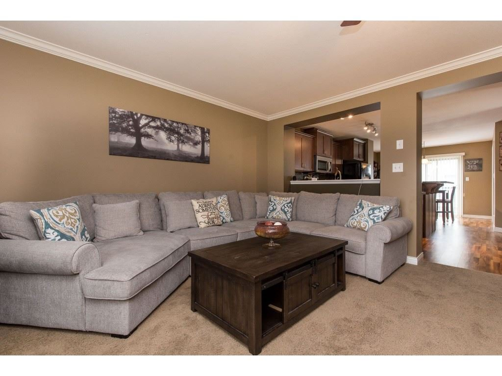 """Photo 8: Photos: 68 5556 PEACH Road in Chilliwack: Vedder S Watson-Promontory Townhouse for sale in """"The Gables at Riverbend"""" (Sardis)  : MLS®# R2453710"""