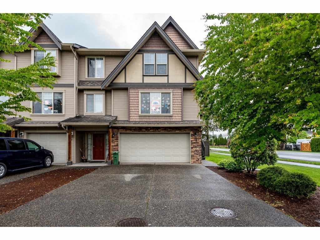 """Photo 3: Photos: 68 5556 PEACH Road in Chilliwack: Vedder S Watson-Promontory Townhouse for sale in """"The Gables at Riverbend"""" (Sardis)  : MLS®# R2453710"""