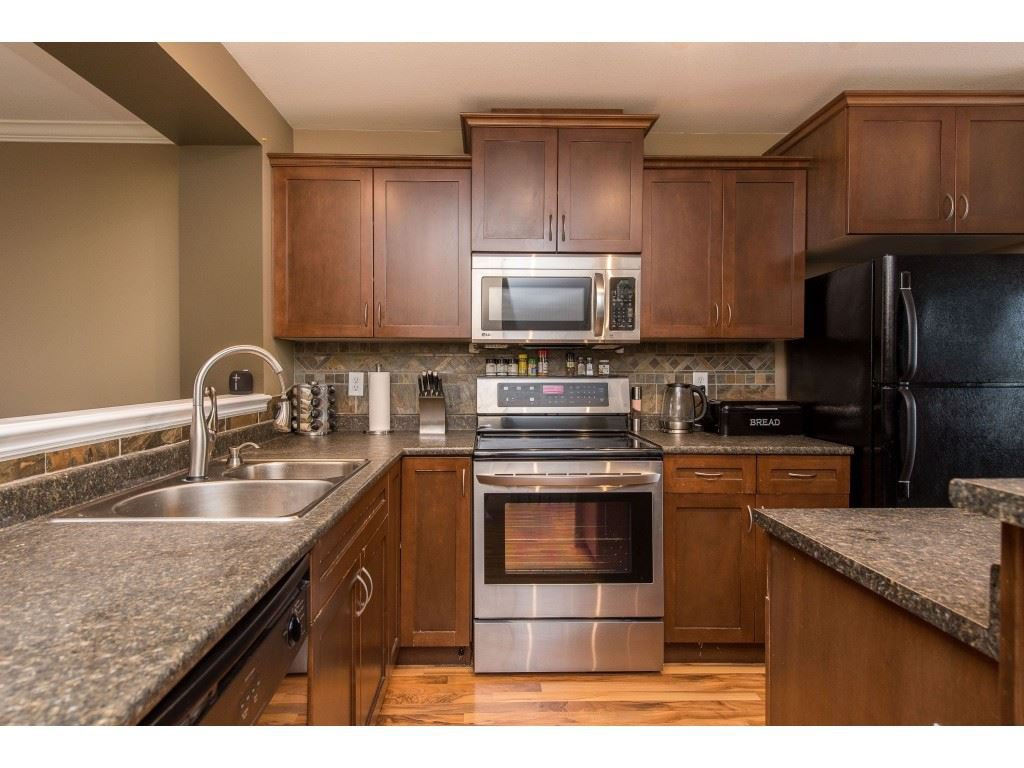 """Photo 12: Photos: 68 5556 PEACH Road in Chilliwack: Vedder S Watson-Promontory Townhouse for sale in """"The Gables at Riverbend"""" (Sardis)  : MLS®# R2453710"""