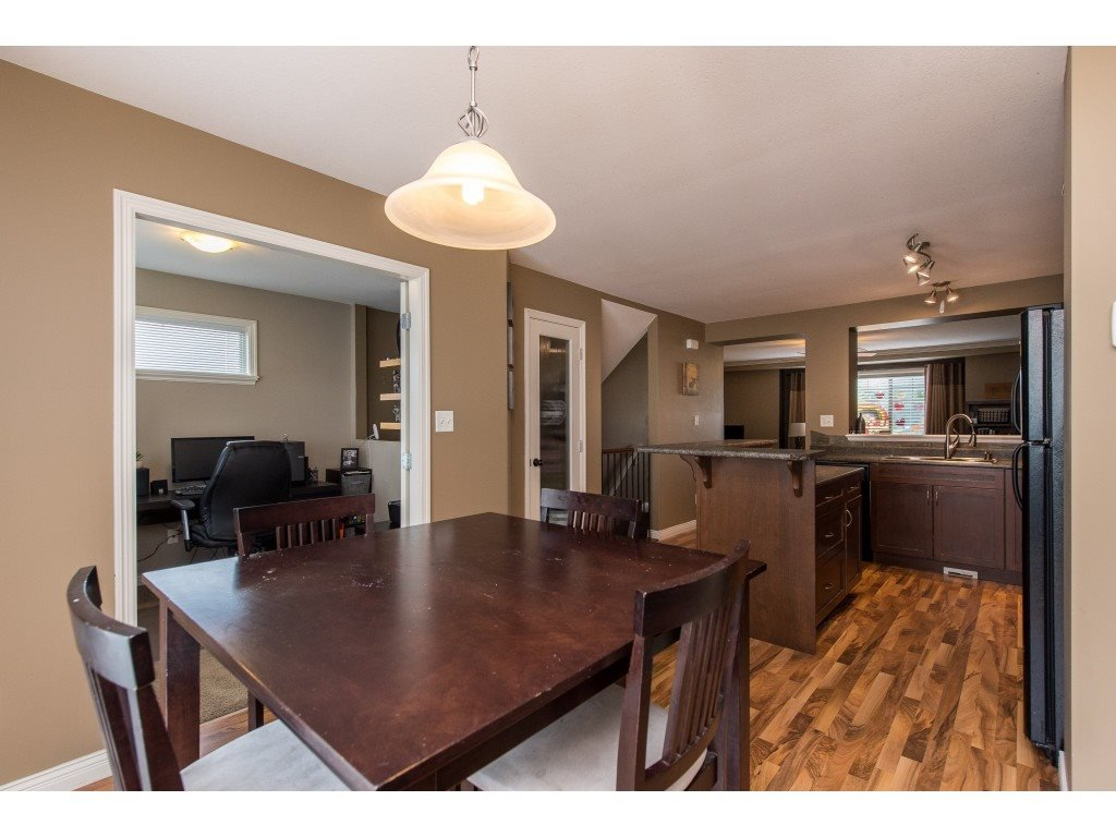 """Photo 18: Photos: 68 5556 PEACH Road in Chilliwack: Vedder S Watson-Promontory Townhouse for sale in """"The Gables at Riverbend"""" (Sardis)  : MLS®# R2453710"""