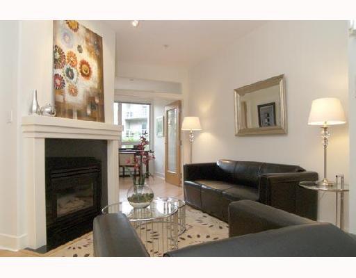 "Main Photo: 115 1823 W 7TH Avenue in Vancouver: Kitsilano Condo for sale in ""CARNEGIE"" (Vancouver West)  : MLS®# V663366"