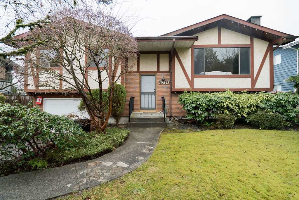 Main Photo: 19848 N WILDWOOD Crescent in Pitt Meadows: South Meadows House for sale : MLS®# R2437069