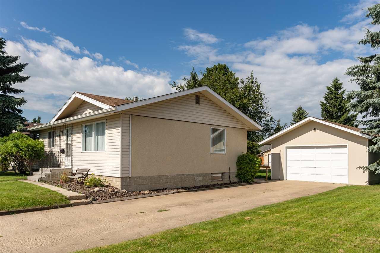 Main Photo: 114 Maple Crescent: Wetaskiwin House for sale : MLS®# E4208355