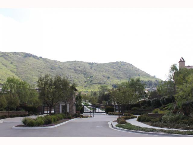 Main Photo: EAST ESCONDIDO House for sale : 5 bedrooms : 2797 Vistamonte in Escondido