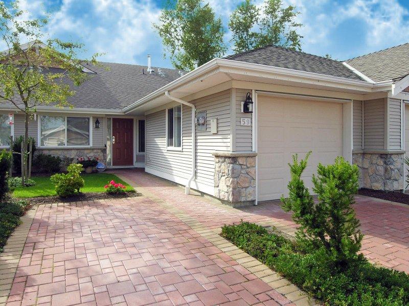 Main Photo: #59, 17516 4 Avenue in Surrey: Pacific Douglas Townhouse for sale (South Surrey White Rock)  : MLS®# F2808892